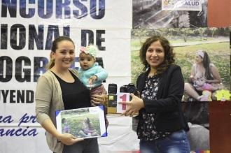 De 97 fotografías que postularon al concurso de lactancia materna se seleccionaron las 10 mejores