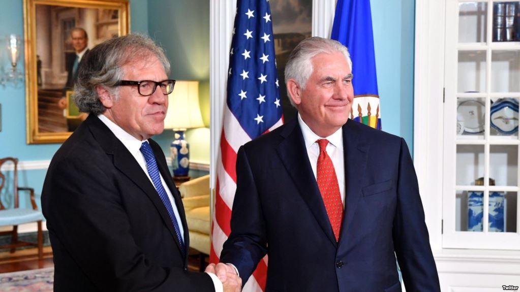El secretario de Estado Rex Tillerson y el secretario general de la OEA, Luis Almagro